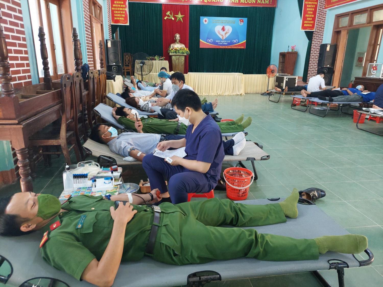 Tuổi trẻ Nam Trà My tham gia hiến 141 đơn vị máu trong đợt 3 năm 2021